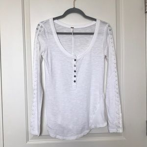 FREE PEOPLE • White Henley Fitted Long Sleeve Top